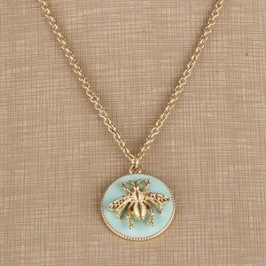 Jewelry - NWT Green + Gold Honey Bee Pendant Necklace